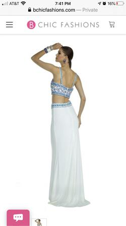 Alyce Paris White Size 2 Straight Dress on Queenly