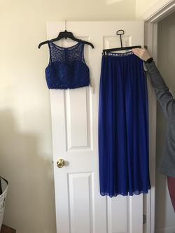 Sequin Hearts Blue Size 2 Straight Dress on Queenly