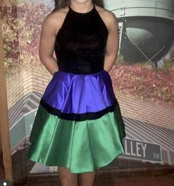 Sherri Hill Black Size 2 Graduation Halter Cocktail Dress on Queenly