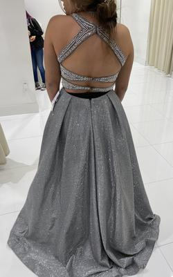 Camille La Vie Silver Size 8 Prom Plunge Ball gown on Queenly