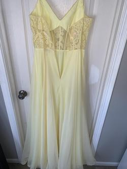 La Femme Yellow Size 8 Prom Side Slit A-line Dress on Queenly