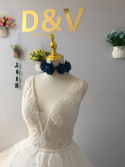 D&V White Size 6 Wedding Ivory Ball gown on Queenly