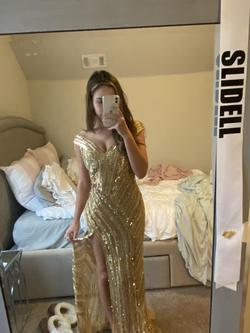 Queenly size 4 Ashley Lauren Gold Side slit evening gown/formal dress