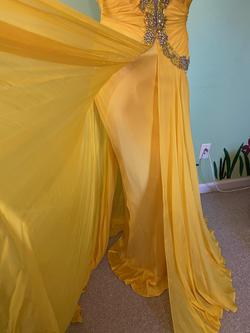 Queenly size 4 Sherri Hill Yellow Straight evening gown/formal dress