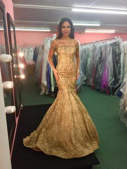 Sherri Hill Gold Size 2 Pageant Mermaid Dress on Queenly