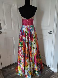 Night Moves Multicolor Size 8 Ball gown on Queenly