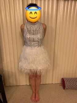 White Size 10 Cocktail Dress on Queenly