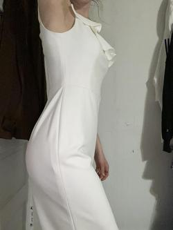 White Size 0 Cocktail Dress on Queenly
