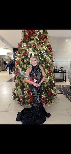 Queenly size 2 Juan Carlos Black Mermaid evening gown/formal dress