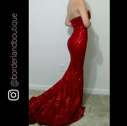 Queenly size 0 Portia & Scarlett Red Mermaid evening gown/formal dress