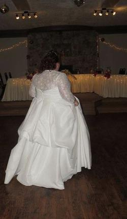 White Size 28 Ball gown on Queenly