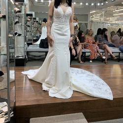 Madison James White Size 0 Train Straight Dress on Queenly
