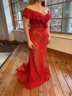 Style EW120089 Ellie Wilde Red Size 10 Corset Train Lace Fitted Mermaid Dress on Queenly