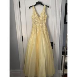 Xscape Yellow Size 2 Prom Ball gown on Queenly