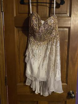 Sherri Hill Gold Size 4 Jewelled Cocktail Dress on Queenly