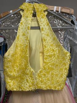 Yellow Size 0 Ball gown on Queenly