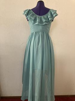 Minuet Green Size 4 Wedding Guest Straight Dress on Queenly