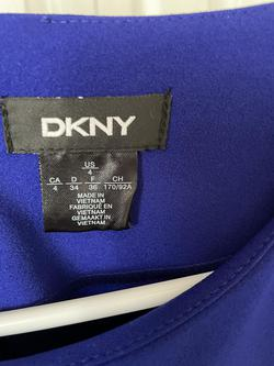 DKNY Blue Size 4 Cocktail Dress on Queenly