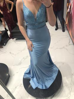 Ellie Wilde Blue Size 2 Mermaid Dress on Queenly