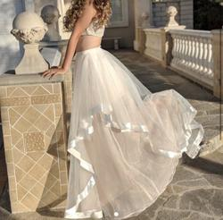 Faviana White Size 4 Overskirt Ball gown on Queenly