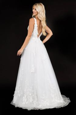 Style 1495 Nina Canacci White Size 6 Prom Plunge Ivory A-line Dress on Queenly