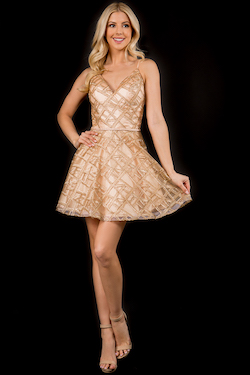 Style 265 Nina Canacci White Size 4 Fitted Jewelled Gold Cocktail Dress on Queenly