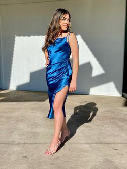Cinderella Divine Blue Size 2 Nightclub Sorority Formal Cocktail Dress on Queenly