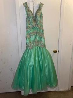 Tony Bowls Green Size 0 Short Height Mermaid Dress on Queenly