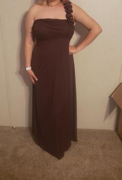 Nude Size 14 Straight Dress on Queenly