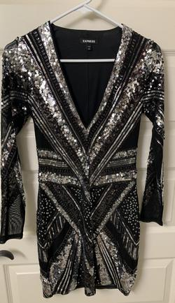 Express Black Size 4 Party Sequin Cocktail Dress on Queenly