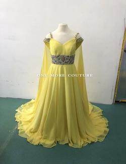 Yellow Size 6 Train Dress on Queenly