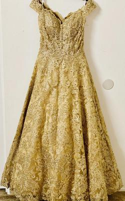 Gold Size 6 Train Dress on Queenly