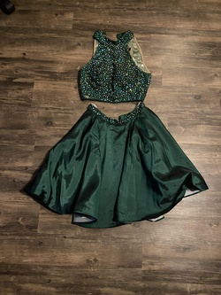 Sherri Hill Green Size 4 Jewelled Cocktail Dress on Queenly