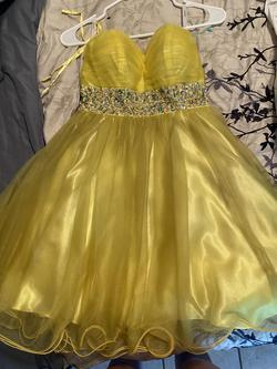 Hannah S Yellow Size 4 Cocktail Dress on Queenly