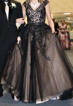 Sherri Hill Black Size 6 Train Dress on Queenly