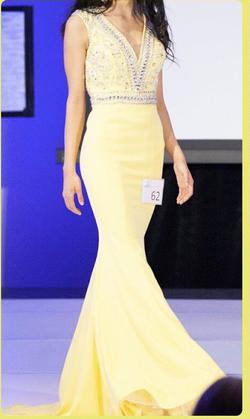 Mac Duggal Yellow Size 0 Short Height Mermaid Dress on Queenly