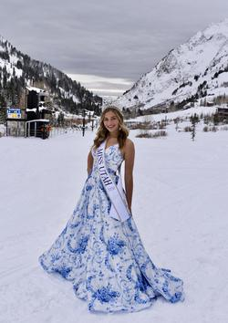 Sherri Hill Blue Size 4 Train Tall Height Ball gown on Queenly