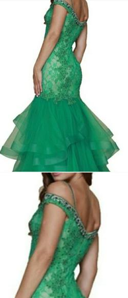 Nox Green Size 14 Plus Size A-line Dress on Queenly
