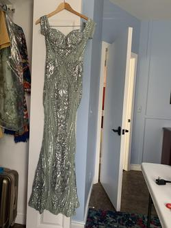 Green Size 6 Mermaid Dress on Queenly