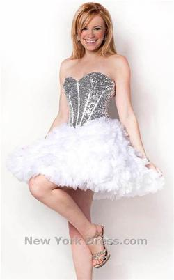Style L3341 Nina Canacci White Size 8 Corset Shiny Cocktail Dress on Queenly