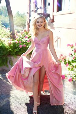 Style EW121001 Ellie Wilde Pink Size 8 Silk Side slit Dress on Queenly