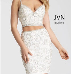 Jovani Silver Size 0 Homecoming Cocktail Dress on Queenly
