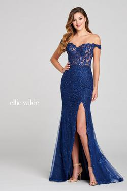 Style EW121052 Ellie Wilde Blue Size 0 Plunge Navy Side slit Dress on Queenly