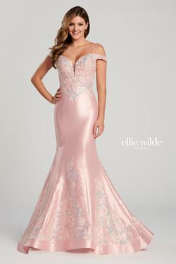 Style EW120131 Ellie Wilde Pink Size 0 Ball gown on Queenly