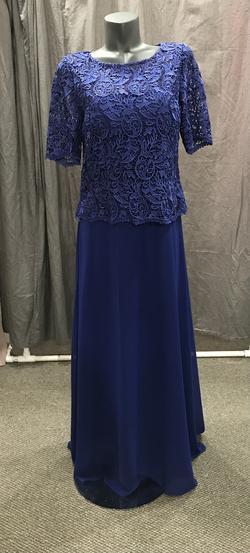 Nox Annabel Purple Size 8 Straight Dress on Queenly