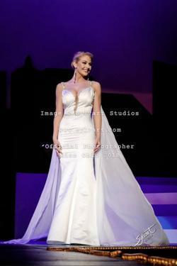 Ashley Lauren White Size 2 Belt Mermaid Dress on Queenly