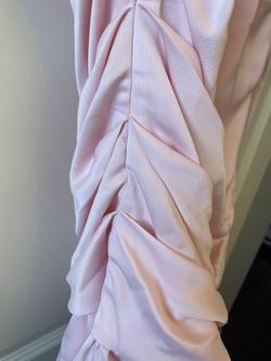 Ivory & Chain Pink Size 0 Runway Scout Cocktail Dress on Queenly