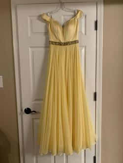 Sherri Hill Yellow Size 0 Short Height Straight Dress on Queenly