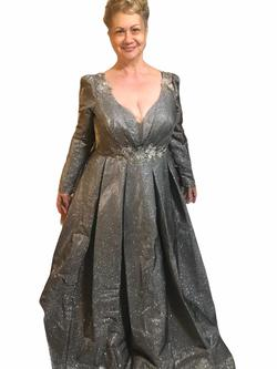 Tarik Ediz Silver Size 18 Plus Size Ball gown on Queenly