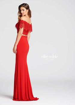 Style EW118017 Ellie Wilde Red Size 0 Tall Height Lace Mermaid Dress on Queenly